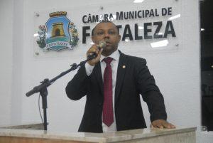 Soldado Noélio afirma que horário não deve ficar a critério da AMC e precisa ser previsto em lei (Foto: Divulgação)
