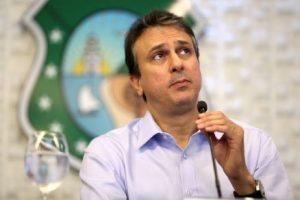 Camilo Santana apresentou medida regulamentando a vaquejada no Ceará (Foto: Fábio Lima/O POVO)