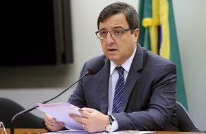 Apesar de se dizer indeciso sobre a votação, Danilo Forte foi substituído da CCJ pelo PSB (Foto: Divulgação)