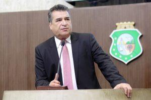 Deputado criticou vídeo divulgado pela atriz Luana Piovani nas redes sociais (Foto: Divulgação)