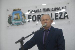 """Dummar Ribeiro desafiou colegas a apresentarem """"um único"""" caso de homicídio por homofobia ou racismo no Ceará (Foto: Genilson de Lima/CMFor)"""