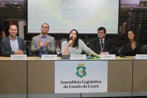 Audiência na AL com Eduardo Bolsonaro teve protestos pró e contra o movimento Escola sem Partido (Divulgação: AL-CE)