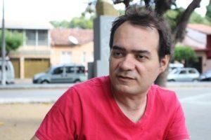 Ailton Lopes é pré-candidato do Psol ao governo do Ceará (Tatiana Fortes/O POVO)