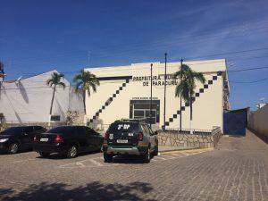 Prefeitura de Paracuru estava fechada até o final da manhã (Foto: Wagner Mendes/O POVO)
