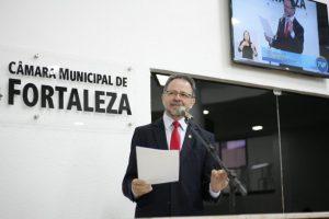 Acrísio Sena criticou decisão da Prefeitura em armar guardas (Foto: Divulgação)