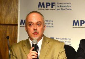 O procurador Carlos Fernando, da Lava Jato, participa do evento (Rovena Rosa/Agência Brasil)