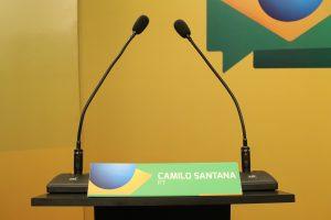 Púlpito de Camilo no debate