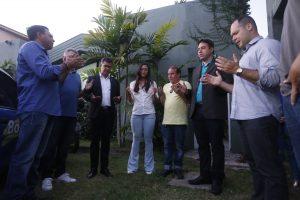 Hélio Góis realiza oração