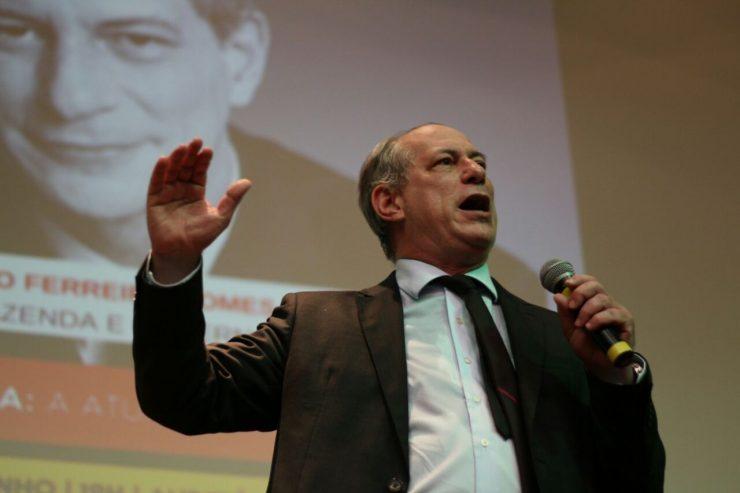 Ciro Gomes participa de evento ao lado de deputada do PT, Maria do Rosário