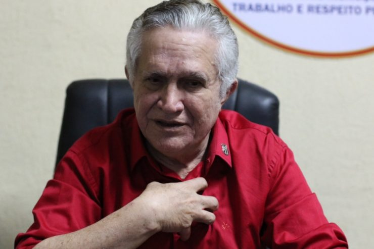 PCdoB expulsa prefeito acusado de estuprar mulheres em Uruburetama