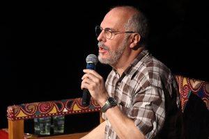Júlio Sampaio palestrando