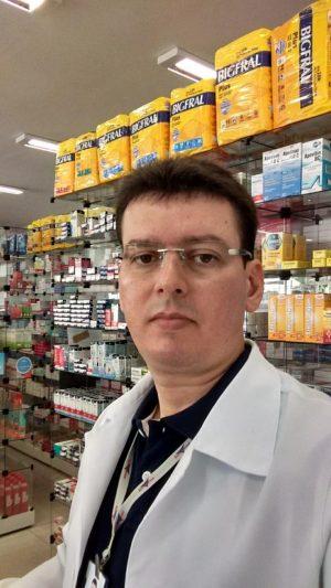Ielano Vasconcelos é farmacêutico homenageado no Dia do Trabalho