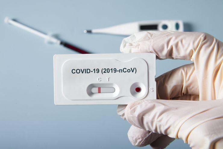 Imagem de testes rápidos para Covid-19