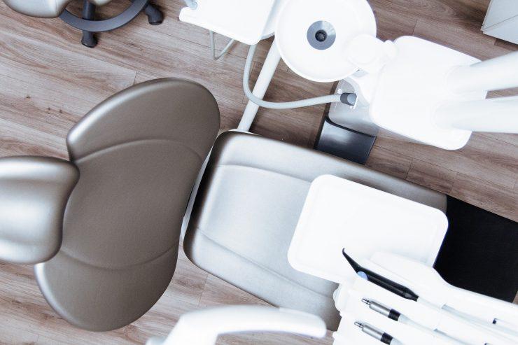 Consultório de odontologia; confira boas práticas com a Retomada Senac