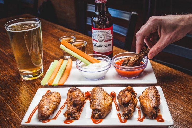 Petiscos e cerveja; chef da dicas de petiscos para harmonização com bebidas
