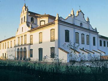 Mosteiro da Luz - O Museu de Arte Sacra ocupa o andar térreo da ala esquerda da igreja, p. 35