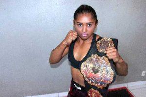 Viviane Sucuri é dona do cinturão peso-palha do Xtreme Fighting Championships (XFC). (Foto: Diego Camelo/Especial para O POVO)