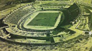Vista aérea do Castelão no dia de sua inauguração. (Crédito: Centro Cultural do Castelão)